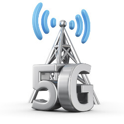 Samsung and KDDI demonstrate 5G technology while on a moving train