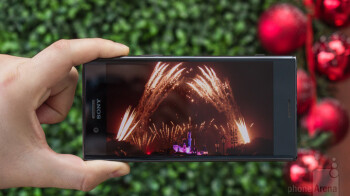How to take photos of fireworks with a smartphone camera (iPhone and Android tutorial)