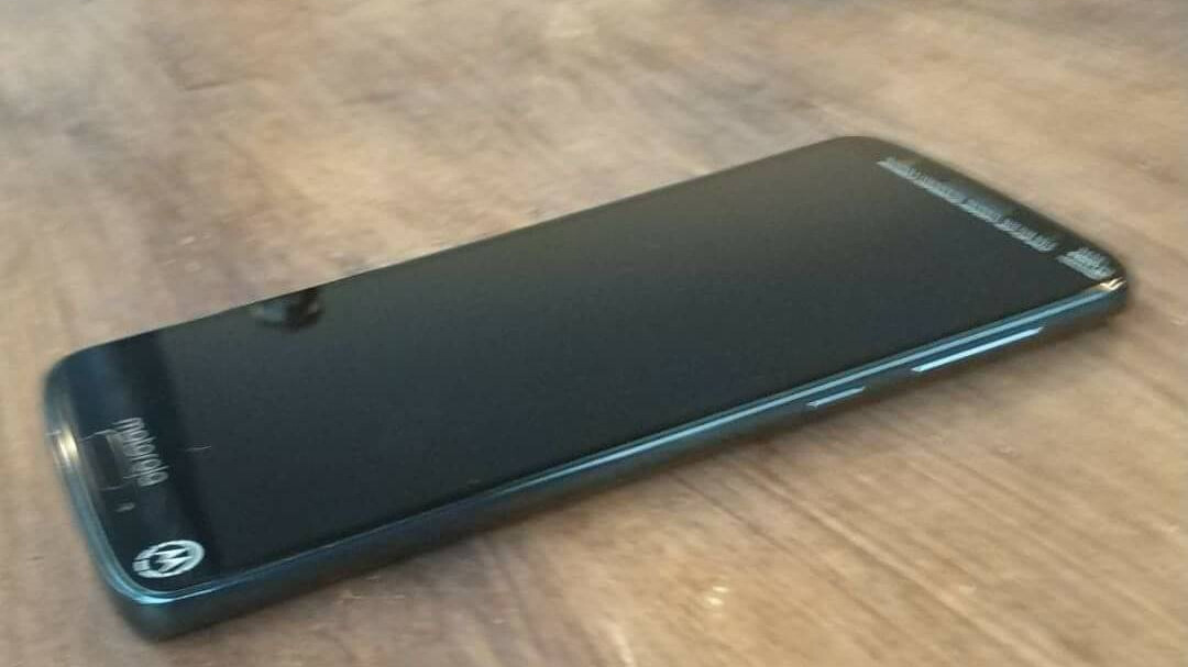 Alleged Moto G6 Plus prototype unit leaks in live pictures