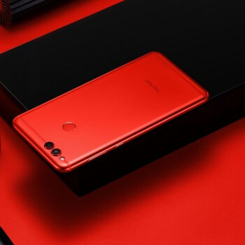 Honor 7X in Red launches in US for Valentine's Day