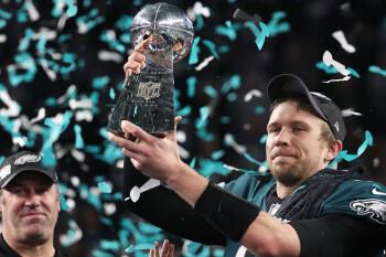 Verizon customers set record at the Super Bowl; Verizon, KT make 5G video call during game