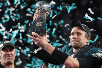 Verizon customers set record at the Super Bowl; Verizon, KT make 5G video call during game