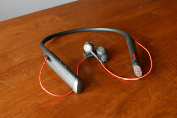 Plantronics Voyager 6200 UC hands-on