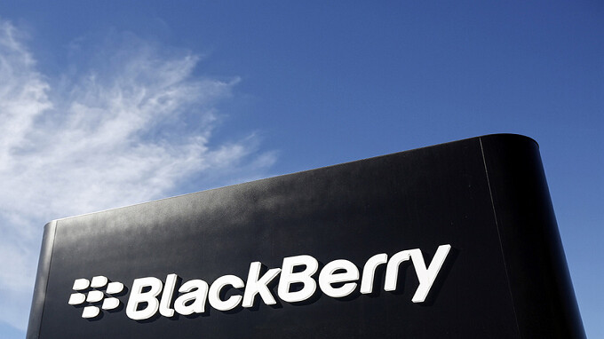 BlackBerry receives patent for a new camera design