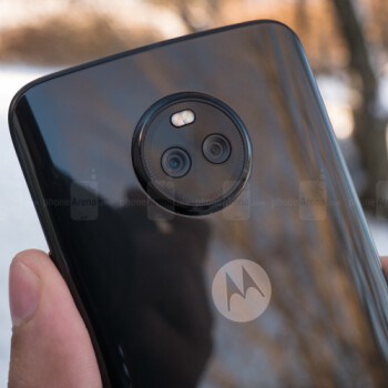 Deal: Grab a brand-new Moto X4 for $250 right now!