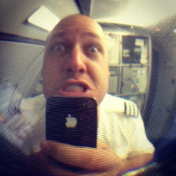 Airplane pilots suspended because of using Snapchat mid-flight