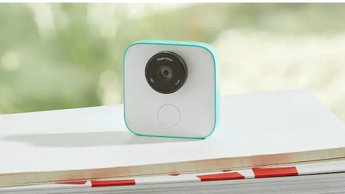 Google's Clips camera now lets you manually take high resolution photos