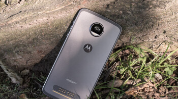 Motorola Moto Z3 Play partial specs revealed in FCC listing