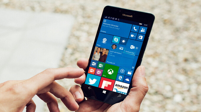 Former Microsoft executive blames carriers and manufacturers for Windows Phone's failure