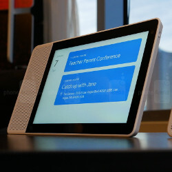 Is Google in the making of a smart display?