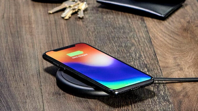 Mophie's new wireless charger adds fast-charge option, but is still too expensive