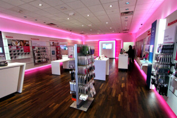 T-Mobile now has more stores than AT&T