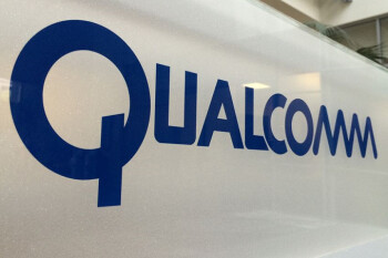 Hoping to appeal to Apple, Qualcomm lowers licensing cost for 5G patents