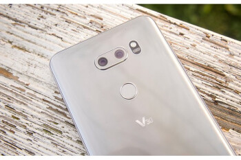 Unlocked LG V30 starts getting Android 8.0 Oreo in the US