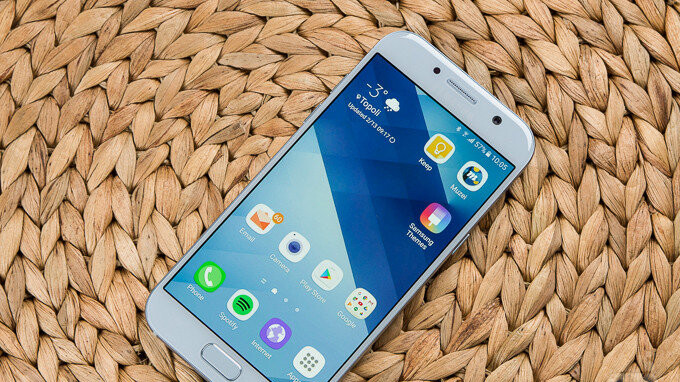 Samsung Galaxy A5 (2017) starts receiving Android 8.0 Oreo