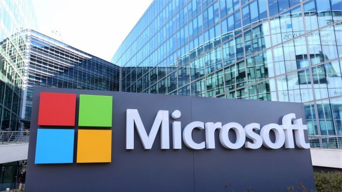 Microsoft to produce $400 Surface Tablets to compete with the Apple iPad?