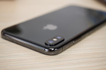 Picture from Next-gen iPhone A12 chips enter mass production