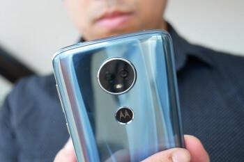 Lenovo's Motorola-led mobile unit continued to struggle in Q4 2017