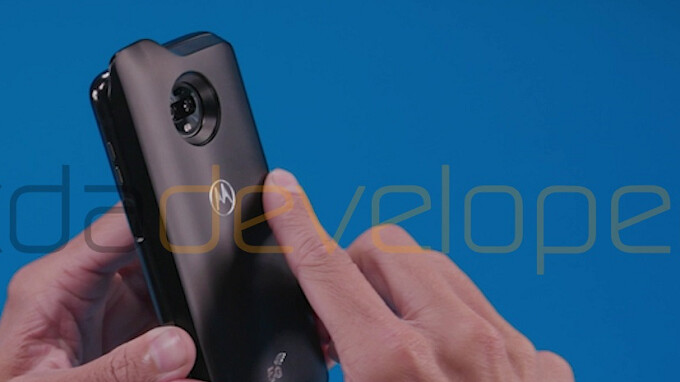 Images of the Moto Z3 Play and a 5G Moto Mod leak