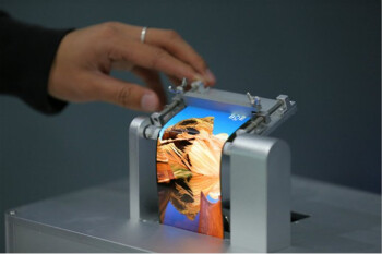 Huawei chooses BOE Technology to build OLED flexible displays for future foldable smartphones