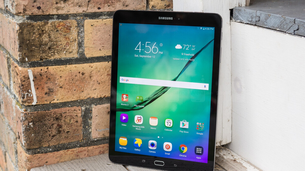 Samsung Galaxy Tab S4 looks set to include an iris scanner and on-screen buttons