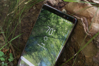 Samsung has just patented a new bezel-less design construction method