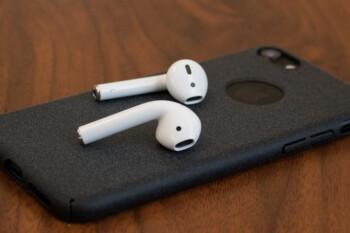 Apple could introduce premium AirPods and over-ear headphones in 2019
