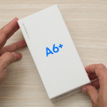 Samsung Galaxy A6+ unboxing and first look