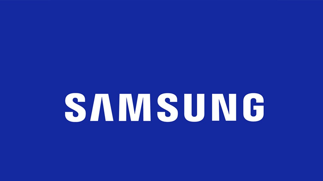 Samsung patent depicts bezel-less smartphone with three displays