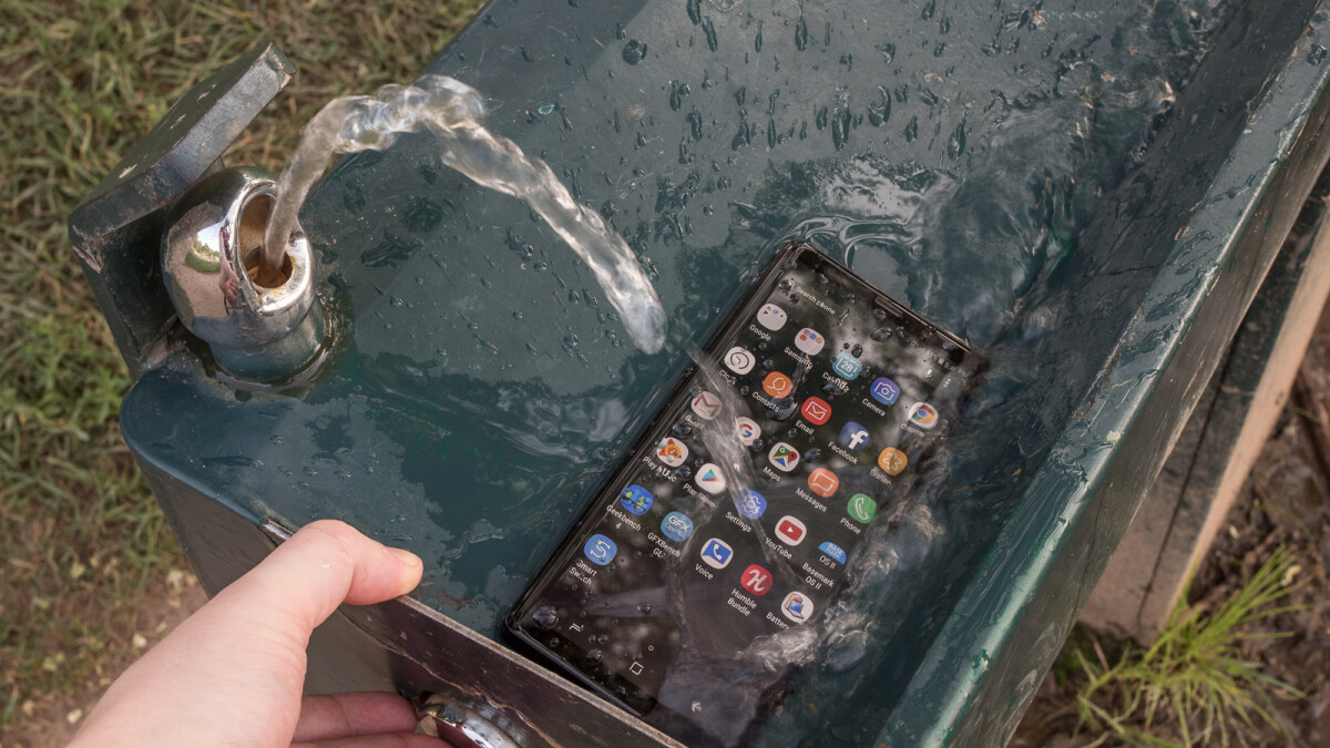 "Samsung develops ""unbreakable smartphone panel"" and gets it certified"