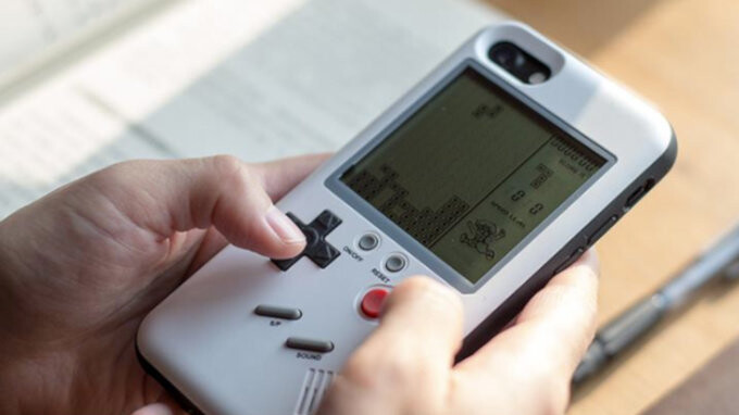 You can now have a fully functional Game Boy... as your iPhone case