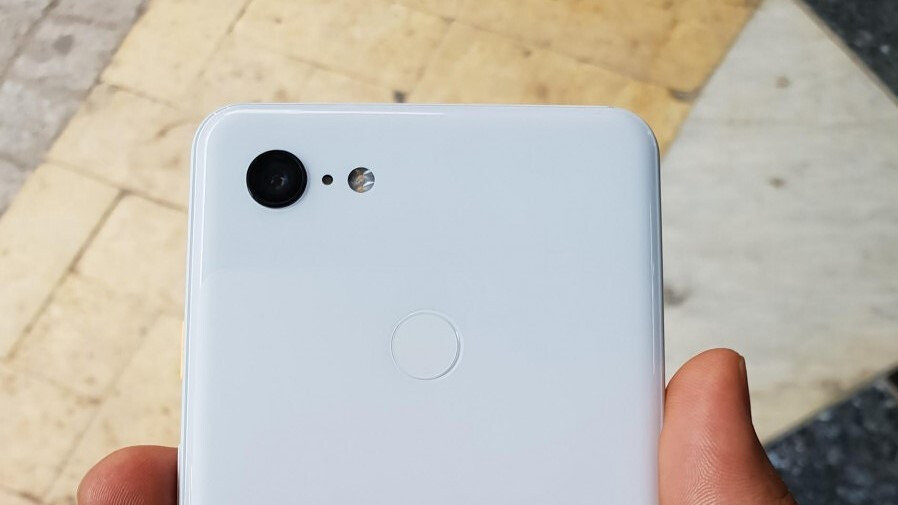 Google Pixel 3 XL Clearly White variant revealed in new set of live images