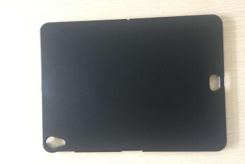 Alleged iPad Pro (2018) case showcases mystery rear design element