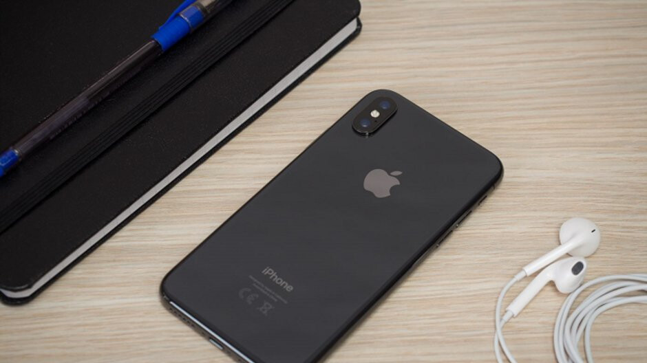 apple announces that it will unveil the 2018 iphone models. Black Bedroom Furniture Sets. Home Design Ideas
