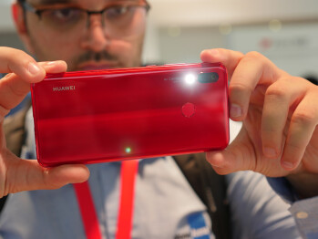 Huawei Nova 3 hands-on: Vibrant colors and great value extravaganza