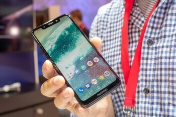 Motorola One and Motorola One Power hands-on: iPhone looks for a third of the price