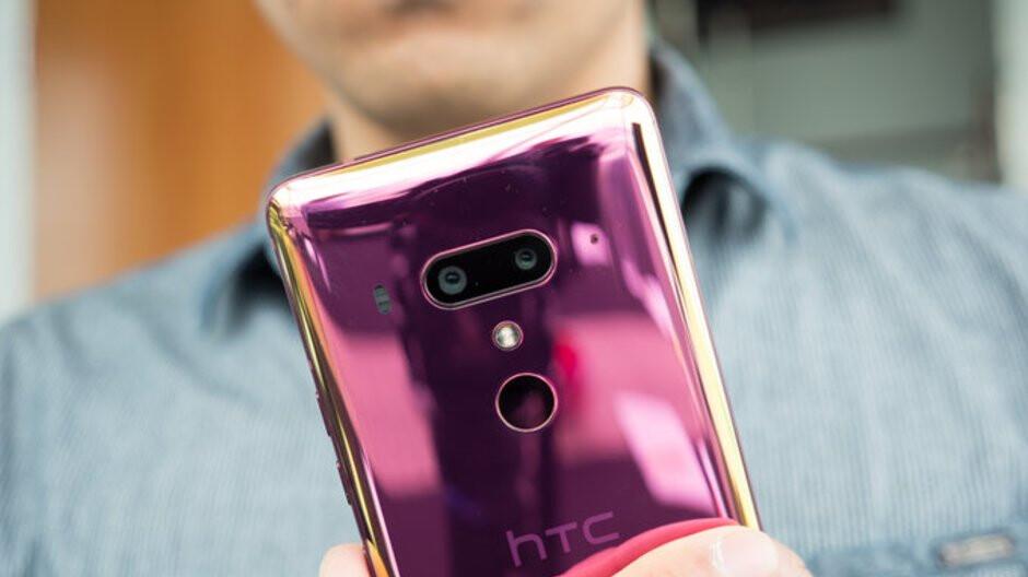 HTC U12+ sales show no impact; brand's August revenue declines over 50%