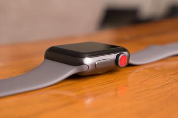Apple Watch Series 4 bezel-less design confirmed in front panel leak