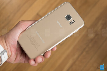 Samsung Galaxy S7 Edge catches on fire after freezing and then shutting down