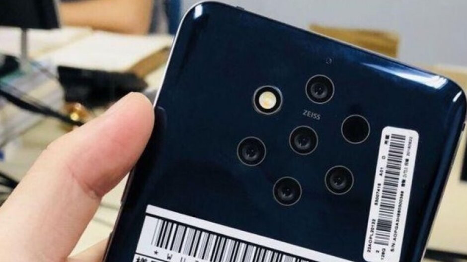 We don't need the Nokia 9 yet, and HMD is smart to delay a high-end release