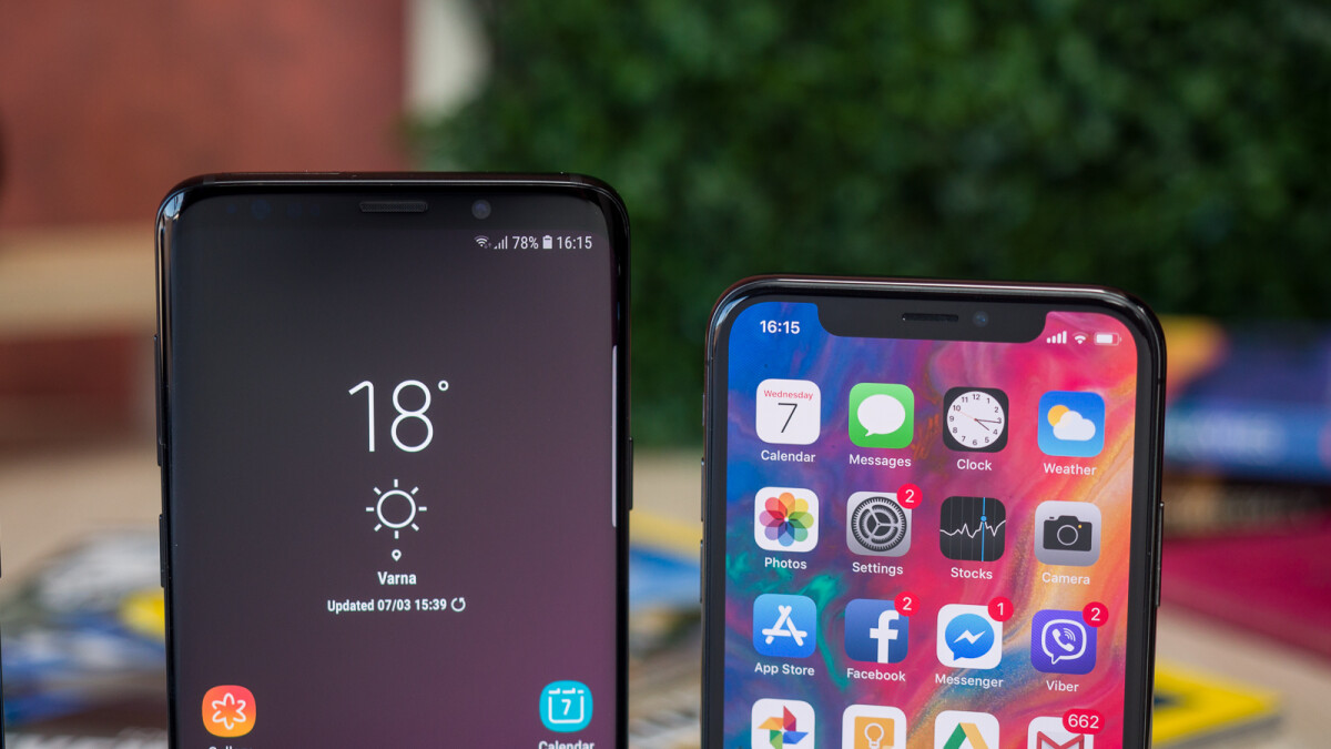 Samsung is giving away free Galaxy S9s in its latest anti-Apple marketing scheme