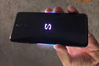 Xiaomi Black Shark 2 appears in hand-on video: RGB lighting galore!