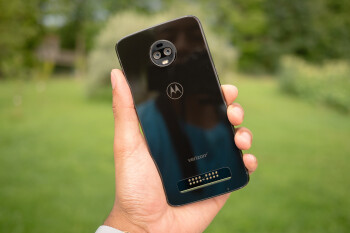 Verizon cuts the Moto Z3 price by 50% — now, that's a deal
