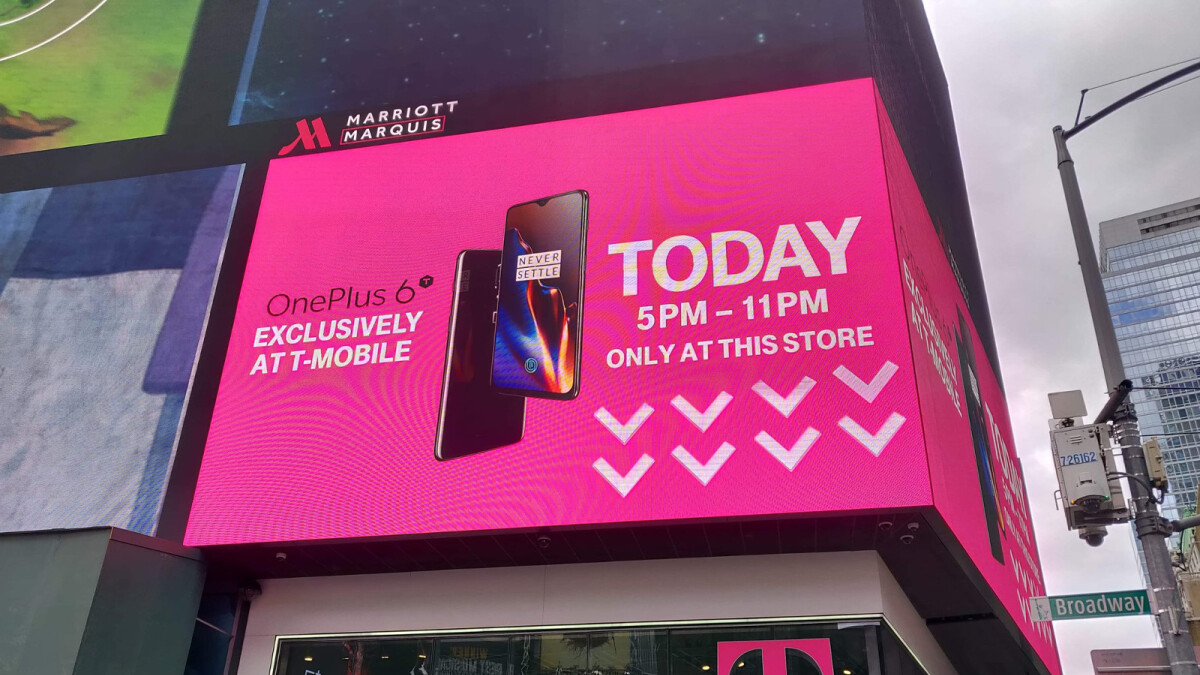 T-Mobile unboxes the OnePlus 6T, Times Square takeover