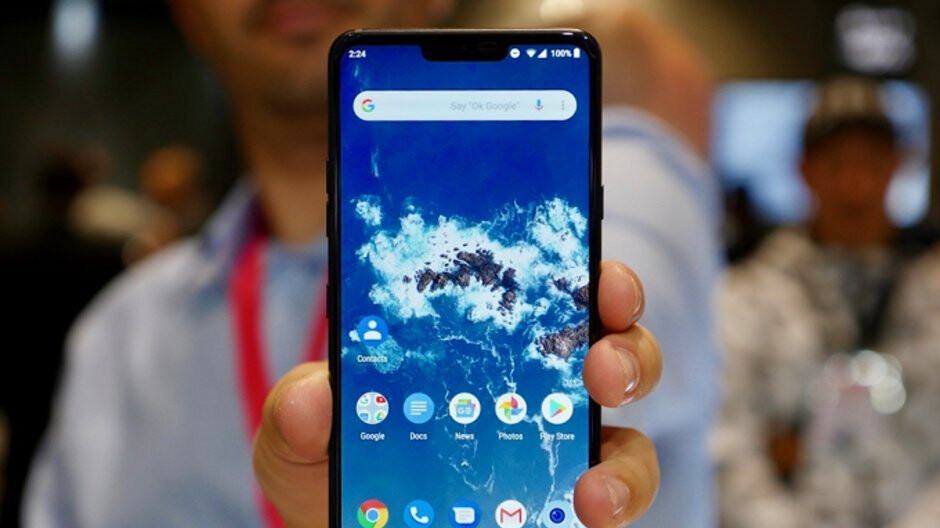 LG G7 One is the manufacturer's first phone to run Android 9 Pie