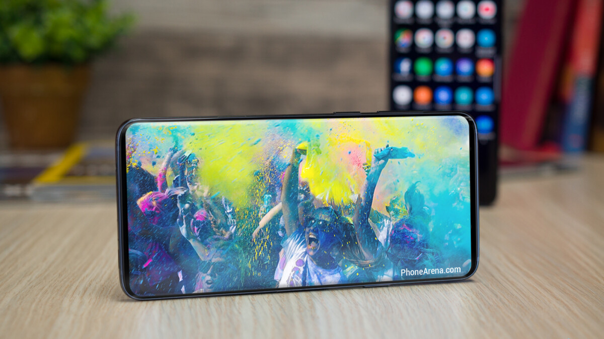 Alleged Galaxy S10 screen protectors hint at incredibly thin bezel, symmetry begone!