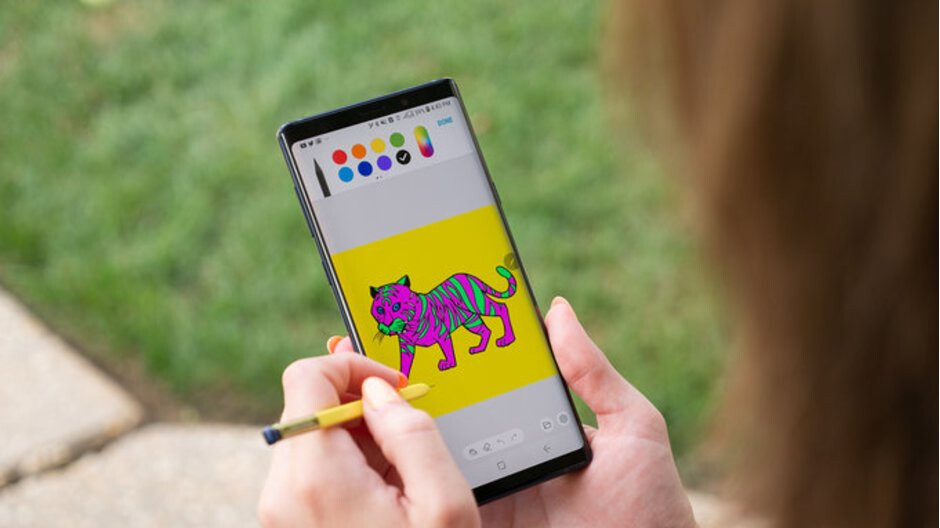 Samsung may include Note 9 in the Android Pie update beta, mum's the word on the Verizon or AT&T models
