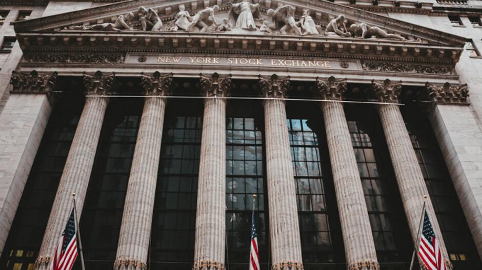 Will Bixby be your next stockbroker?
