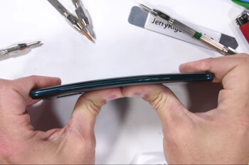 Huawei Mate 20 Pro durability test shows how easy it is to damage this beaut