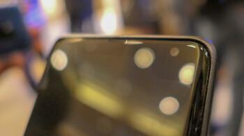 Samsung's 5G demo phone has a pretty unique corner notch